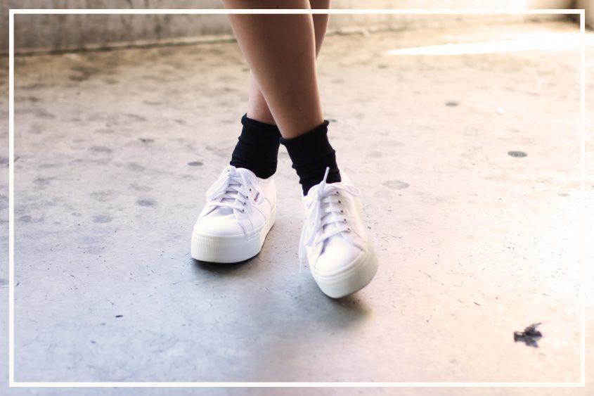 Outfit: Rosa Bomberjacke und Superga Platform Sneaker